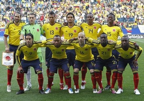Colombia-11-12-adidas-home-kit-yellow-navy-red-line-up