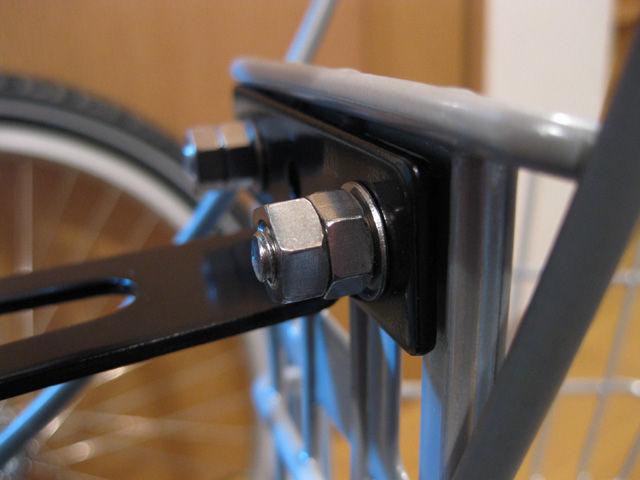 自転車の 自転車のカゴ取り付け : タイヤホイールを取り付けて ...