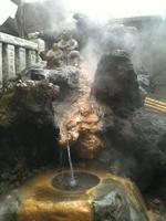 湯前神社に湧く温泉
