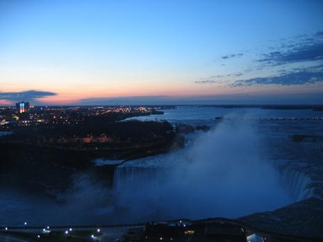 朝焼けカナダ滝1