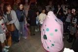 ひたち国際大道芸ピンクの怪獣