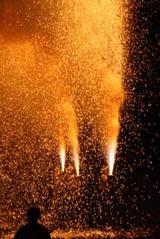 益子祇園祭下野手筒花火10-7-23(4)縦型と羊羹花火