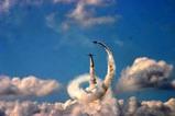 百里基地航空祭ブルーインパルス二機うずまきb