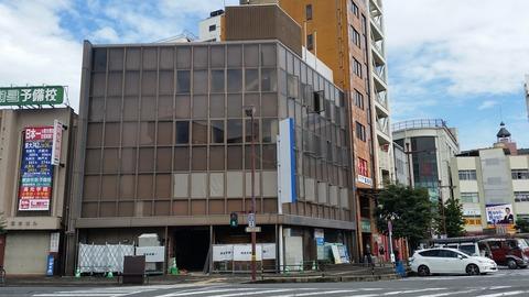 岩国市内商業ビル