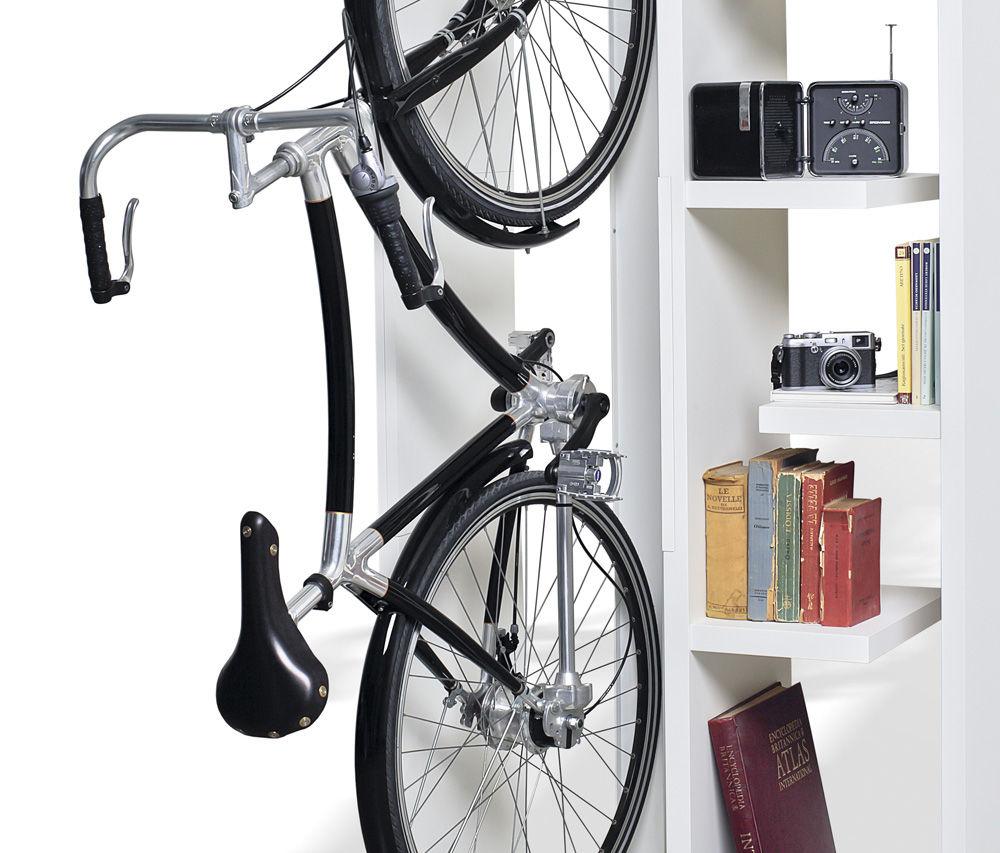 自転車の収納ラックと本棚で ...