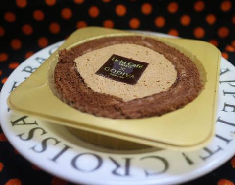 UchiCafe' SWEETS × GODIVA キャラメルショコラロールケーキ