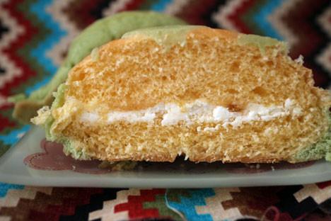 鶴姫レッドメロンジャムのメロンパン