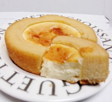 ベイクドチーズケーキのバウム【ファミリーマート】