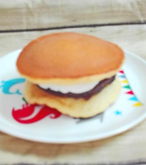 北海道十勝産小豆使用ふんわり生どら焼き【セブンイレブン】