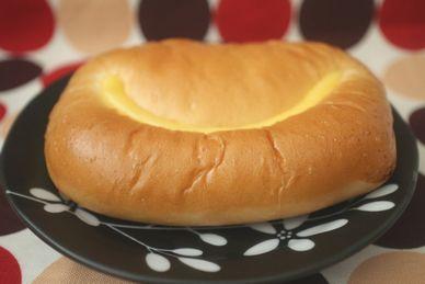 カスタードクリームパン