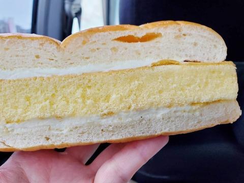 牛乳パンのかすてらサンド【セブンイレブン】