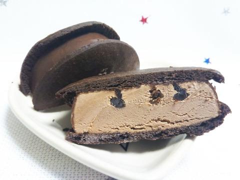 濃厚ガトーショコラ クッキーサンドアイス【グリコ】