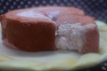 セブンイレブン*宮城県産いちごのロールケーキ