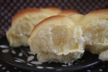 卵たっぷりま~るいパン