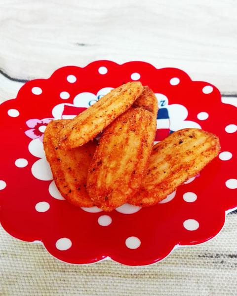 ハッピーターン大人のトマトバジル味【亀田製菓】
