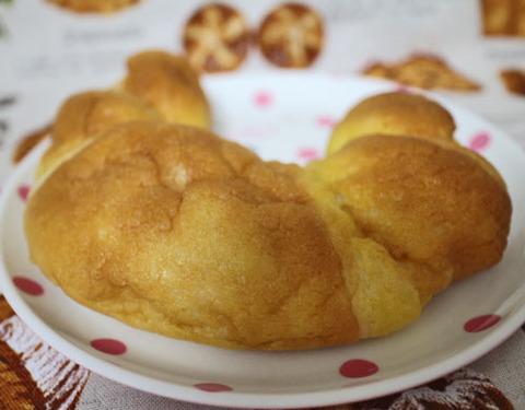 レモンのクロワッサン(瀬戸内レモンの果汁入りクリーム使用)