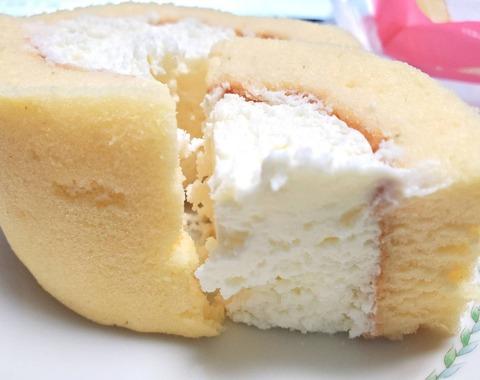 プレミアムロールケーキ×2【ローソン】