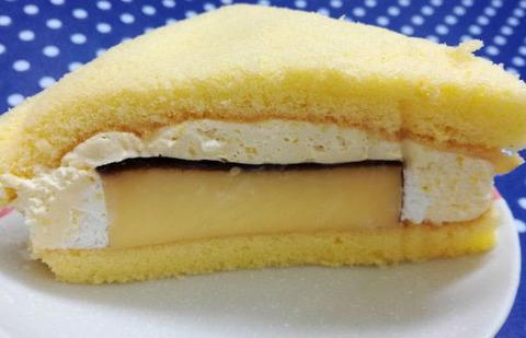ぶ厚いプリンのケーキサンド【ファミリーマート】