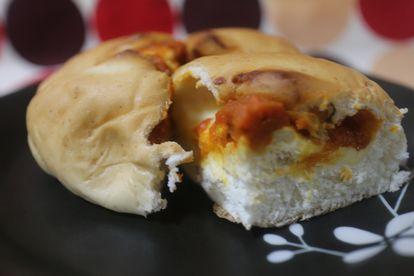 トマト&チーズパン
