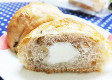 もち麦とくるみのミルククリームパン【ローソン】