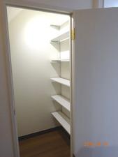階段下収納02
