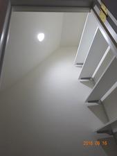 階段下収納03