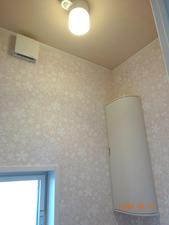 トイレ1F03