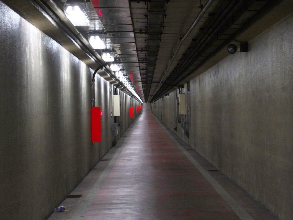 「川崎港海底トンネル人道(神奈川県川崎市千鳥町6)」の画像検索結果
