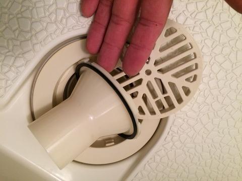 浴室排水トラップ 破損交換