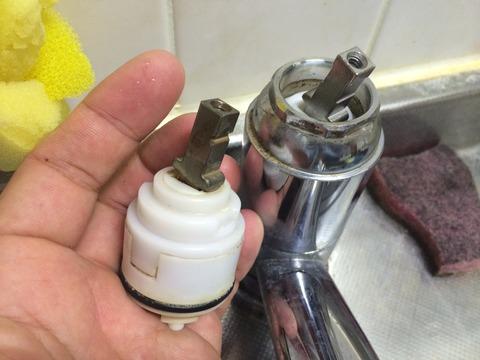 キッチン混合水栓シングルレバー カートリッジ交換