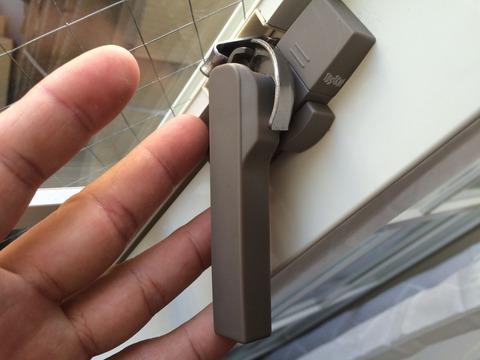 トステム 窓ガラスクレセント錠 不具合修理