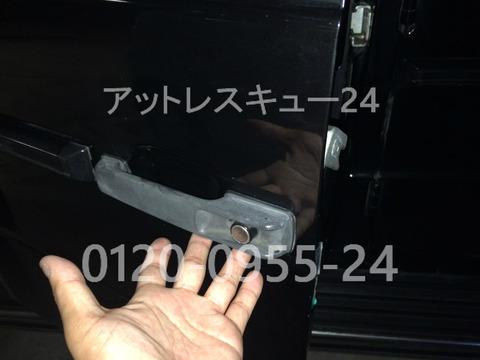 メルセデスベンツW463ゲレンデG320鍵のインロック開錠