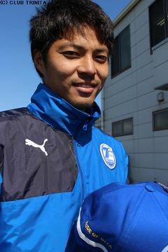 武田選手キャップ・ラインUP笑顔