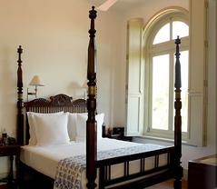 08_amangalla_suite_bedroom_alb[1]