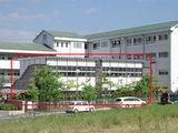 小学校のプレハブ校舎