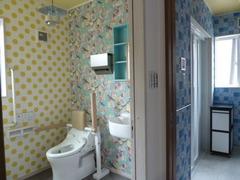 1階トイレと洗面所