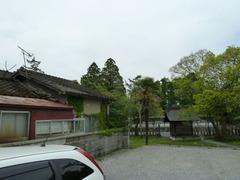 阿蘇神社境内脇