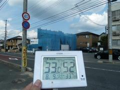 外気温は33℃