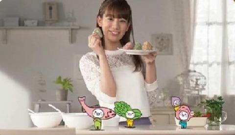 佐藤美希彩りごはんCM「私のお弁当」篇の画像。