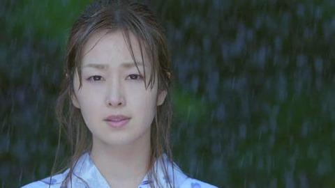 笛木優子辛口一献CM「ゆずれない」篇の画像。