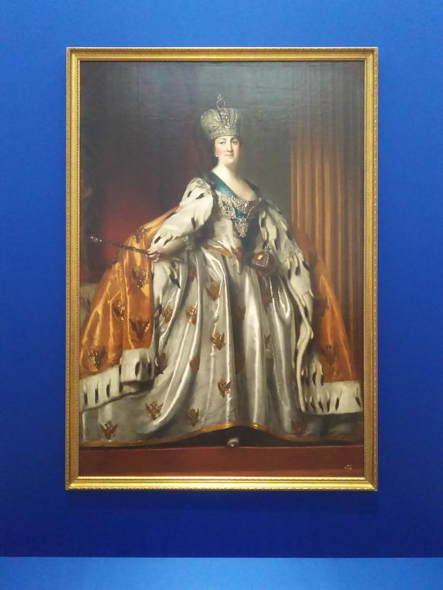 戴冠式のローブを着たエカテリーナ2世の肖像