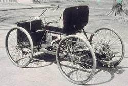 フォード初の自作4輪自動車(from Wiki)
