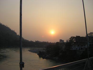 ガンジス河の更なる聖地リシュケシュへ