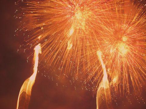 長野えびす講煙火大会  晩秋の空に華麗に舞うアート