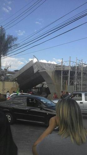 ブラジル跨線橋崩落2