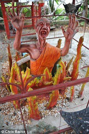 タイにある寺がヤバすぎる
