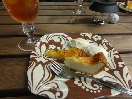 チーズケーキとオランジェ