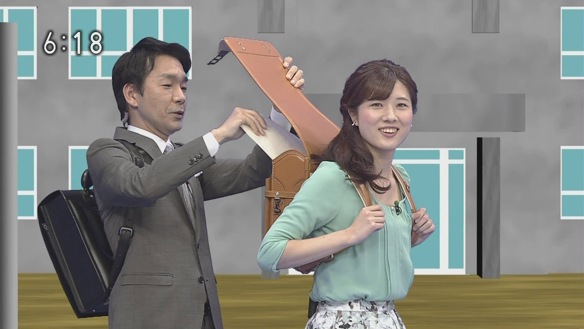 石橋亜紗アナ ランドセルを背負...