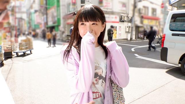 マジ軟派、初撮。 秋葉原でお買い物中のアイドル超え美少女 5