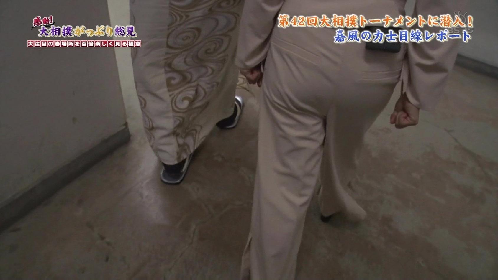 唐橋ユミアナ 「支度家レポート」でお尻アングルを連発☆☆